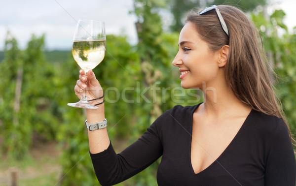 Stockfoto: Brunette · schoonheid · wijn · leuk · portret · prachtig
