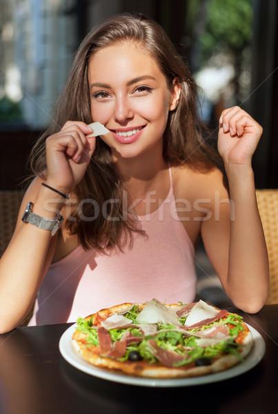 Giovani turistica donna locale ristorante Foto d'archivio © lithian