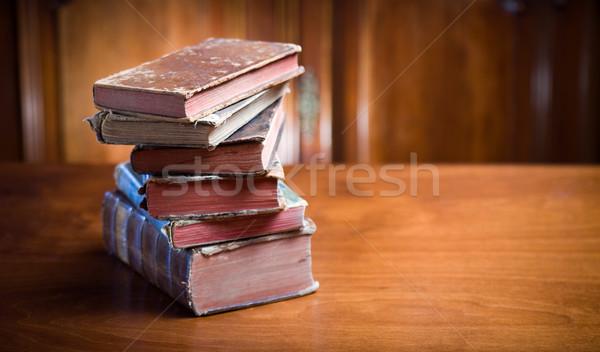 Tajemniczy patrząc książek martwa natura starożytnych elegancki Zdjęcia stock © lithian