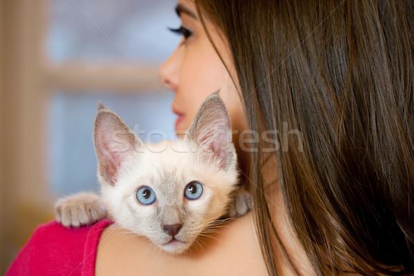 Perfecto mascota jóvenes morena Foto stock © lithian