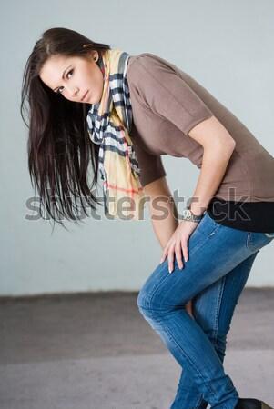 Giovani bruna jeans modello esterna ritratto Foto d'archivio © lithian
