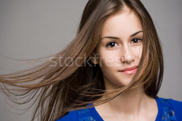 álomszerű fiatal barna hajú érzelmes portré modell Stock fotó © lithian