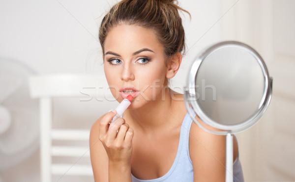 Bruna bellezza trucco ritratto specchio donna Foto d'archivio © lithian