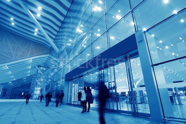 Zakenlieden lopen beweging wazig gebouw stedelijke Stockfoto © liufuyu
