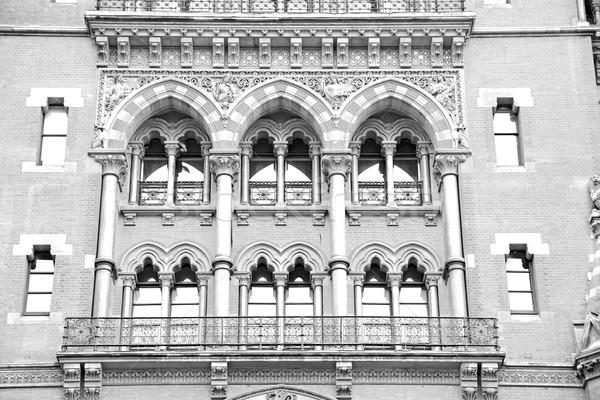 Vechi perete arhitectură Londra Anglia ferestre Imagine de stoc © lkpro