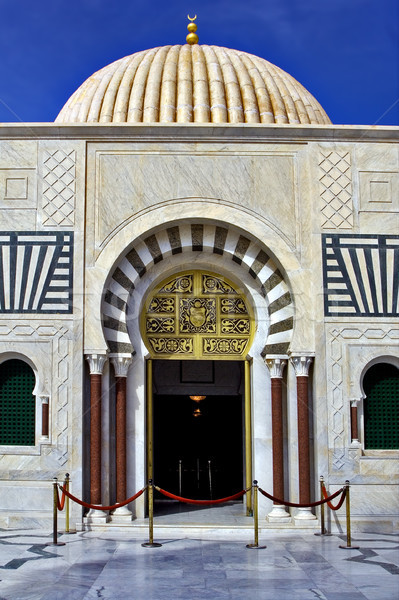 Porta oro mausoleo cielo finestra rosso Foto d'archivio © lkpro