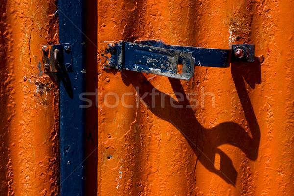 Niebieski bezpieczeństwa blokady czerwony metal ściany Zdjęcia stock © lkpro