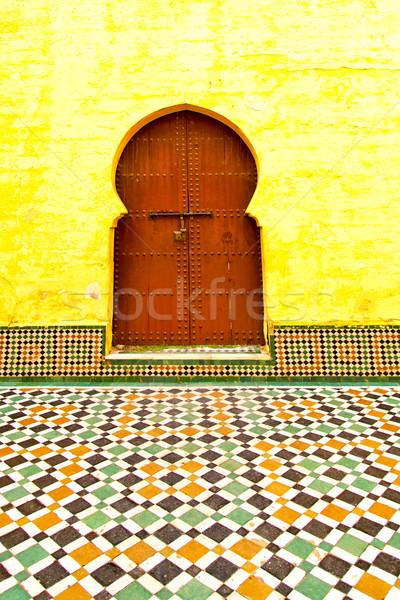 Histórico antiguos edificio puerta Marruecos estilo Foto stock © lkpro