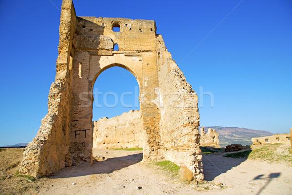 Boog afrika oude bouw straat blauwe hemel Stockfoto © lkpro