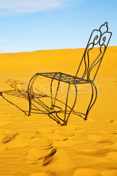 Tablo koltuk çöl sahara sarı kum Stok fotoğraf © lkpro