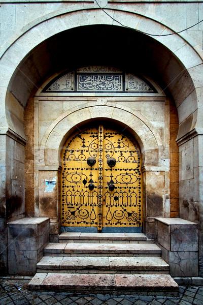 Kapalı kapı eski şehir gökyüzü ahşap Stok fotoğraf © lkpro