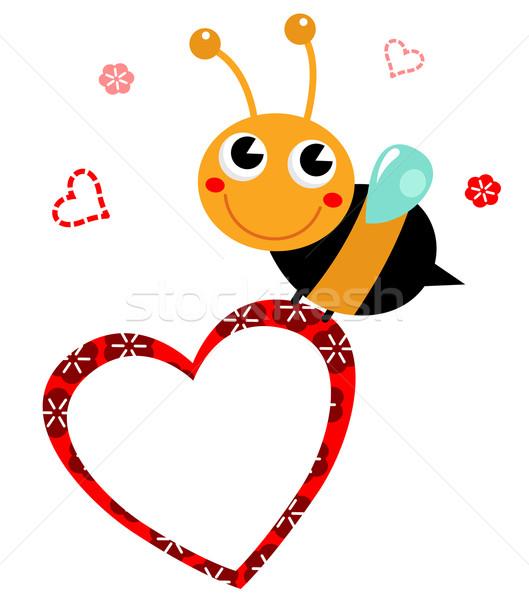 Sevimli Güzel Arı Kalp Anneler Gün Vektör Ilüstrasyonu