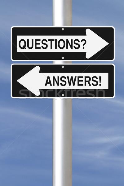 Kérdések válaszok egyirányú utca feliratok égbolt Stock fotó © lorenzodelacosta