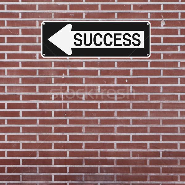 Siker erre egyirányú utca téglafal tégla nyíl Stock fotó © lorenzodelacosta