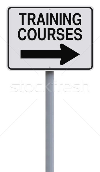 Képzés erre egyirányú utca felirat nyíl tanul Stock fotó © lorenzodelacosta