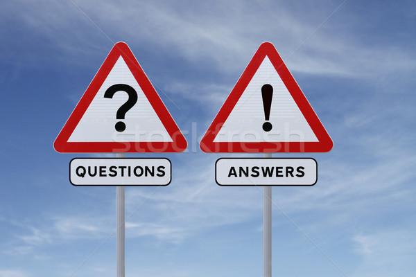 Kérdések válaszok jelzőtáblák kék ég kék kérdés Stock fotó © lorenzodelacosta