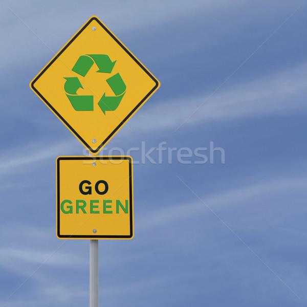 зеленый дорожный знак важность рециркуляции дороги синий Сток-фото © lorenzodelacosta