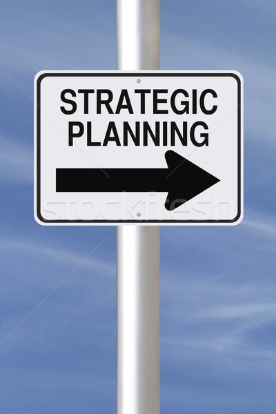 Strategiczny planowania w jedną stronę podpisania ulicy działalności niebo Zdjęcia stock © lorenzodelacosta
