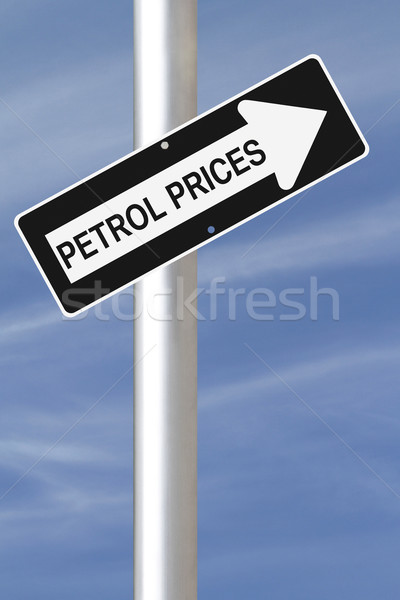 Benzine prijzen omhoog teken Stockfoto © lorenzodelacosta