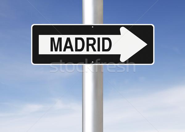 Erre Madrid egyirányú utca Spanyolország felirat kék Stock fotó © lorenzodelacosta