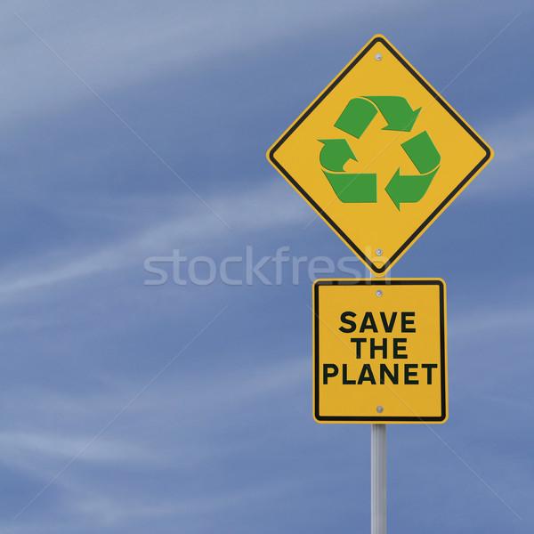 Mettre planète panneau routier importance recyclage route Photo stock © lorenzodelacosta