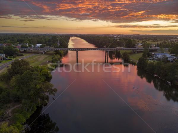 Gündoğumu nehir yansımalar bakıyor kuzey otoyol Stok fotoğraf © lovleah