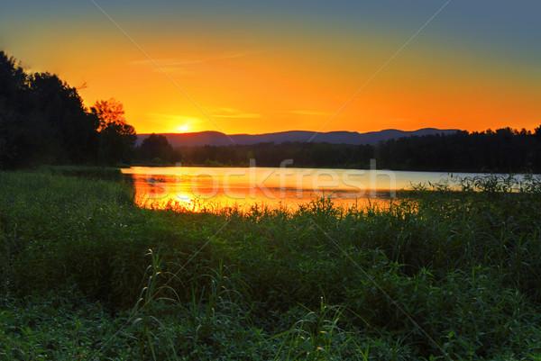 Stok fotoğraf: Gün · batımı · arkasında · mavi · dağlar · Avustralya · görmek