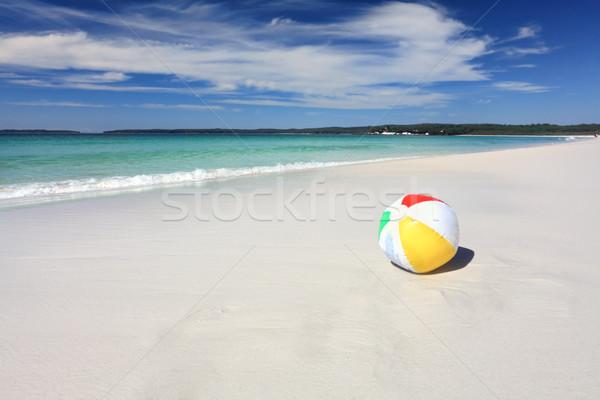 Színes strandlabda óceán homok tengerpart űr Stock fotó © lovleah