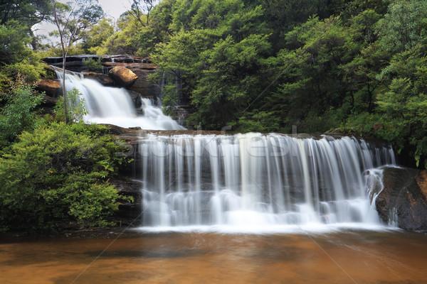 Nyugalmas vízesések vízesés lefelé kövek sziklák Stock fotó © lovleah