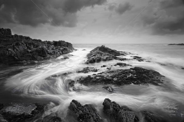 Tengeri kilátás szeszélyes időjárás óceán alacsony árapály Stock fotó © lovleah