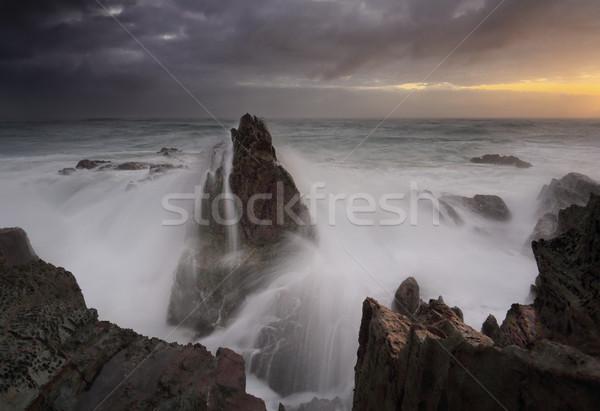 嵐の 日の出 波 クラッシュ 海 雨 ストックフォト © lovleah