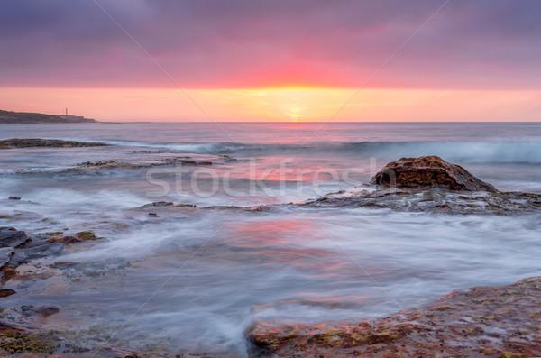 Gündoğumu okyanus güzel tekne liman gökyüzü Stok fotoğraf © lovleah