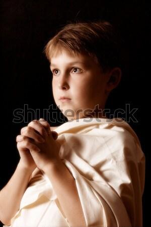Fiatal srác köntös védőbeszéd imádkozik fiú egyszerű Stock fotó © lovleah