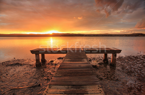 Gün batımı yeşil nokta Avustralya gökyüzü odak Stok fotoğraf © lovleah