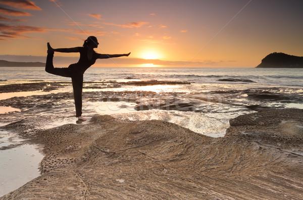 Stock fotó: Jóga · király · táncos · póz · egyensúly · tenger