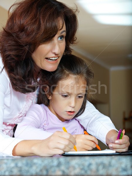 матери дочь помогают домой работу школы Сток-фото © lubavnel