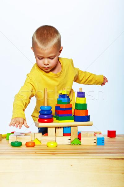 Nino jugando pirámide pequeño año edad Foto stock © lubavnel