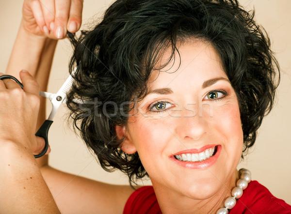 Nő vág haj gyönyörű boldog felnőtt Stock fotó © lubavnel