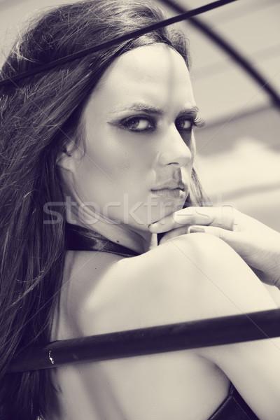 красивая женщина глядя плечо красивой долго Сток-фото © lubavnel