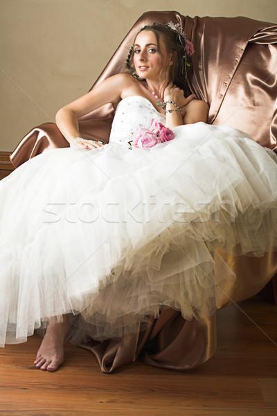 невеста коричневый длинные волосы сидят Председатель красивой Сток-фото © lubavnel