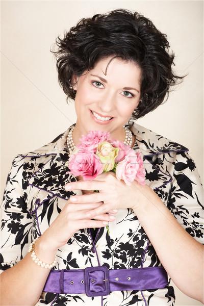 Stock fotó: Nő · rózsaszín · virágok · boldog · fekete · fürtös