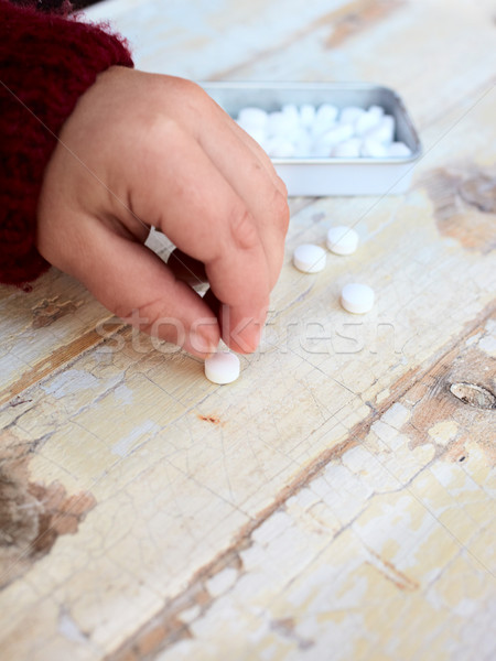 Kind drugs tablet rustiek kinderopvang Stockfoto © lubavnel