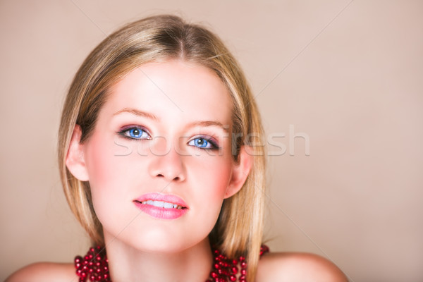 девушки красный ожерелье свободный Сток-фото © lubavnel