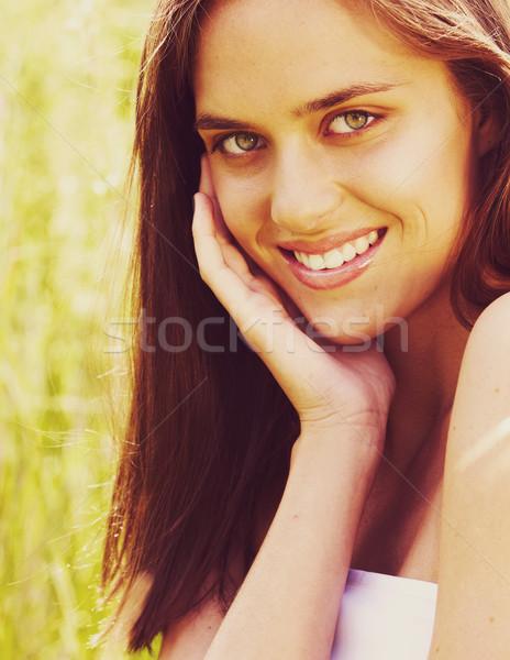 молодые женщину трава счастливым красивой Сток-фото © lubavnel