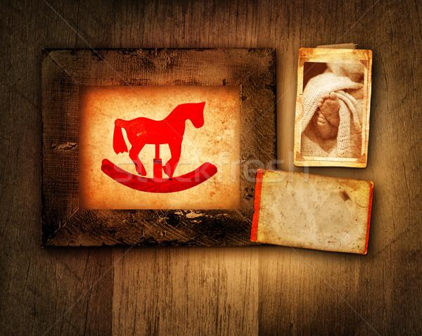 Grunge cheval à bascule bébé cadre photos pieds Photo stock © lubavnel