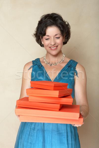 Stock fotó: Nő · piros · ajándékdobozok · gyönyörű · nő · kék · divat