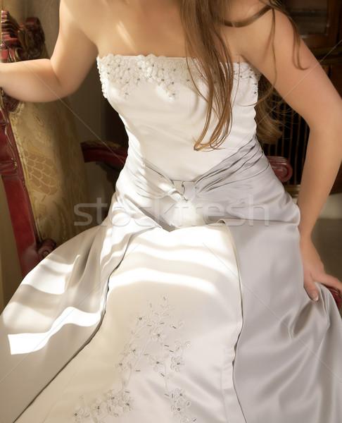 Bella argento abito da sposa la luce naturale giovani sposa Foto d'archivio © lubavnel