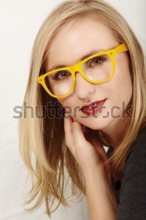 Zdjęcia stock: Kobieta · żółty · okulary · piękna · młoda · kobieta · duży