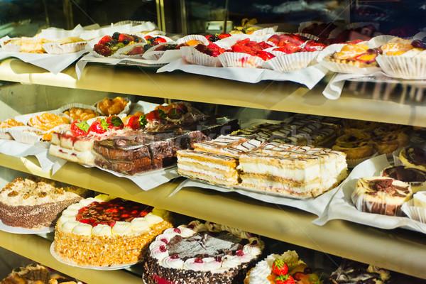 Kuchen Laden Schaufensterauslage Fenster Vielfalt Kuchen Stock foto © lucielang