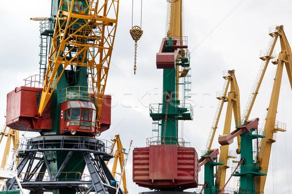 Grande industrial grúa trabajo tráfico máquina Foto stock © luckyraccoon